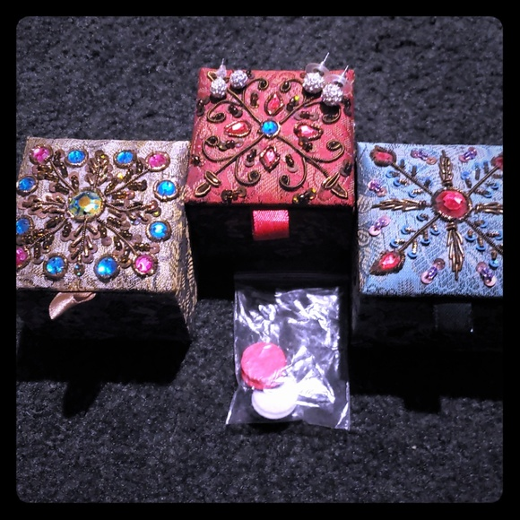 Jewelry - 3 Jewlery Boxes 2 Set of Womens Earrings